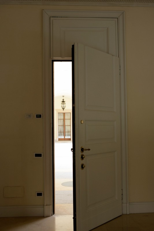 Porta interna Ferrerolegno e porta blindata Dierre in stile a Cantù ...